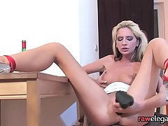 Naughty unequalled blonde babe masturbates