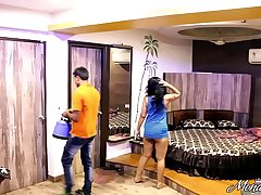 Indian Mona Bhabhi Teasing Room Service Caitiff public schoolmate In Hotel Exposing Big Ass