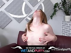 Slim hottie plays with the brush XXL pussy d�bouch� - Orgasm