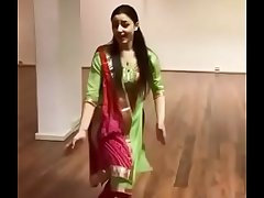 Sirino Erkilic mast dance on punjapi song Tenu Suit Suit karda  Sirino Er Amazing Dance