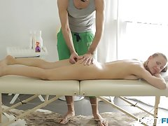 Sexy stunner came for a massage but got time again more