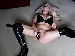 PREVIEW FUCKING MY PUSSY IN MY THIGH HIGH LEATHER BOOTS PVC BLONDE BIG TITS BIG BOOBS JESSIE LEE PIERCE PAWG